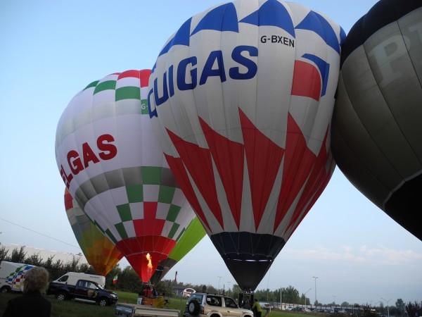 Due palloni sponsorizzati da ditte di GPL.